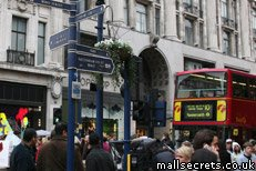 Oxford Street shops opening and closing times